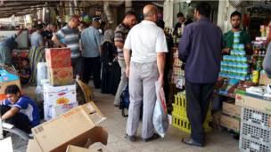 سوق بمدينة الموصل بالعراق