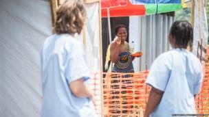 Cerca de 400 pessoas morreram desde o início do surto de ebola em países africanos. Fotos: Sylvain Cherkaoui/Cosmos/MSF