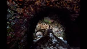 Cueva con aurora. Foto: Ingólfur Bjargmundsson.