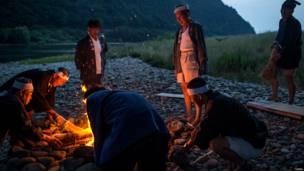 जापान के गीफू में मछली का शिकार