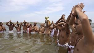 मॉनसून, हैदराबाद में बारिश के लिए पूजा करते हुए हिन्दू पुरोहित