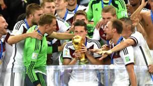 जर्मनी की टीम विश्वकप जीतने के बाद