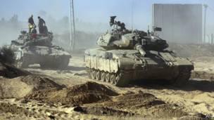 Tanques israelíes cerca de la frontera con Gaza