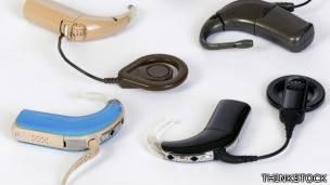 Audífonos.