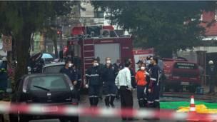 Aeronave caiu nesta quarta-feira em bairro residencial da cidade de Santo
