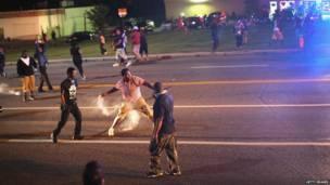 Manifestantes contra la muerte del adolescente Michael Brown por un policía de Ferguson.  Foto: Getty Images