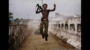 लाइबेरियाई लड़का, टेस्टामेंट, फोटोः क्रिस होंडुरोस/गेटी इमेजेज