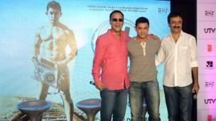 विधु विनोद चोपड़ा, आमिर ख़ान और निर्देशक राजकुमार हीरानी
