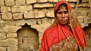 Manisha limpia inodoros en Uttlar Pradesh. Digvijay Singh