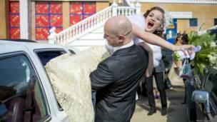 """""""Похищение"""" невесты"""