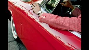 """""""El auto rojo de Bob"""". Nancy Baron."""