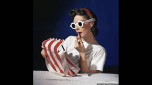 Muriel Maxwell, American Vogue cover, 1 July 1939. Condé Nast / Horst Estate