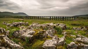 El viaducto Ingleborough y Ribblehead, Yorkshire (norte de Inglaterra)