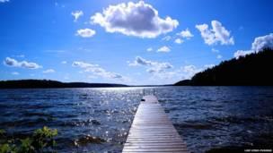 Un lindo día al lado del lago, Finlandia