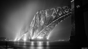 pictures sent by readers on lighting theme, बीबीसी पाठकों की भेजी तस्वीरें