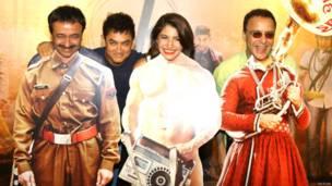 निर्देशक राजकुमार हीरानी, आमिर ख़ान, अनुष्का शर्मा और निर्माता विधु विनोद चोपड़ा