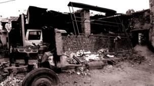 84 के दंगों में जले ट्रक के अवशेष