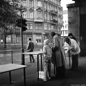 Venta de salchichas en Berlín oriental