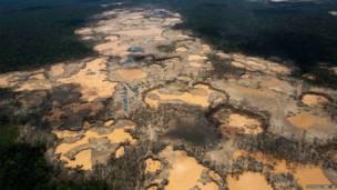 पेरू में अवैध खनन