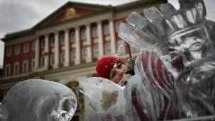 मॉस्को, क्रिसमस, बर्फ़ की प्रतिमा