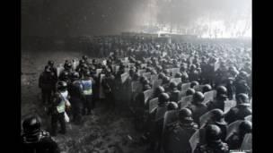 درگیری پلیس ضدشورش با معترضان در اواکراین