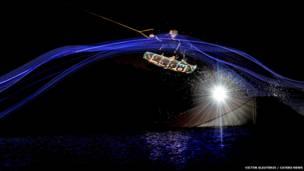 Praticantes foram fotografados durante a noite, com luzes LED e três flashes em posições estratégicas.