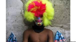 Bate-bola do Muquiço durante carnaval em Guadalupe. Rio de Janeiro, 2013. Edmilson de Lima