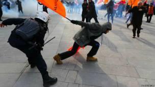 तुर्की में पुलिस विरोधी प्रदर्शन
