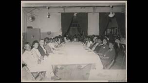 Rosa y Raymond Parks, probablmente en una reunión de NAACP, 1947.  Rosa Parks Papers, Librería del Congreso, Washington DC.