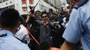 """香港元朗区成为新一个举行反对""""水货客""""示威的地区"""