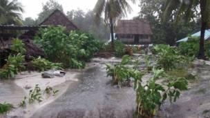 صورة التقطها الصليب الأحمر في استراليا يوم 13 مارس/آذار تظهر الوضع في كيريباتي قبل إعصار بام. (إي بي أيه)