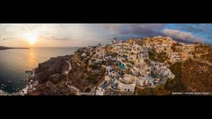 Santorini, Grecia. AirPano, a través de Caters News Agency.