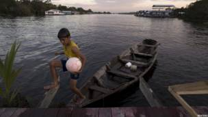 ब्राज़ील, फुटबॉल, Floating Soccer Court in Brazil