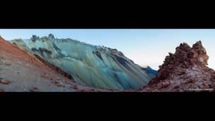 فوهة بركانية فيروزية، أليكسندر ليندساي