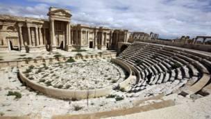صورة التقطت في 14 مارس/آذار 2014 تبين منظر جزئي للمسرح في مدينة تدمر الأثرية. وكالة الأنباء الفرنسية