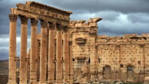 صورة التقطت في 14 مارس/آذار 2014 تظهر الفناء الخارجي لمعبد بعل في مدينة تدمر الأثرية، على بعد 215 كيلومتر شمال شرق دمشق.