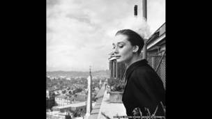 Audrey Hepburn ở Rome, do Cecil Beaton chupj, 1960  ©The Cecil Beaton Studio Archive at Sotheby's