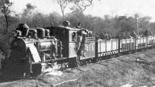 Tren en Puerto Casado