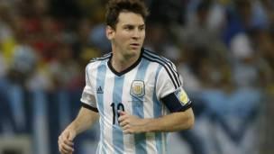 Messi Ya Buga Wa Argentina Wasanni 100 Bbc News Hausa