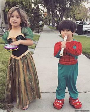 48c866296 Qué hacer si tu hijo se quiere vestir de princesa? - BBC News Mundo