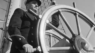 Capitan del buque Aguila