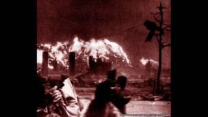 حرائق عقب انفجار القنبلة الذرية في أغسطس/آب 1945 في هيروشيما باليابان ، الأرشيف التاريخي العالمي/يو آي جي، غيتي إيمدج