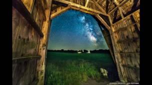 Млечный путь над Кабот, Вермонт.  Stephen Ippolito / Rex Features