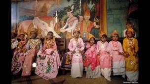 Penasbihan biksu, Bagan, 1987