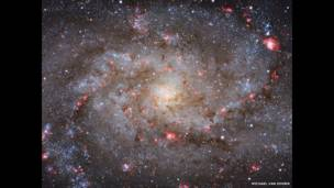صورة المجرة M33
