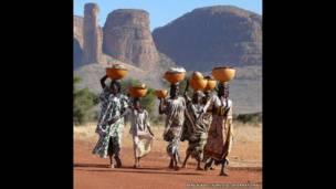 Peul women in Mali. / Survival International