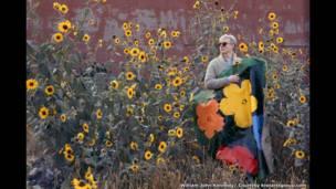 وليام جون كينيدي، زهور وورهول عام 1964.