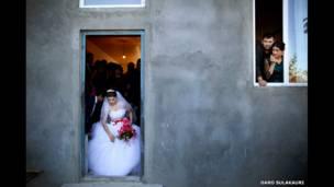 العروس تغادر المنزل