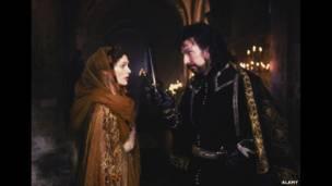 Mary Elizabeth Mastrantonio ve Alan Rickman, Robin Hood: Hırsızlar Prensi, 1991. ALAMY