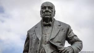 تمثال وينستون تشيرشيل